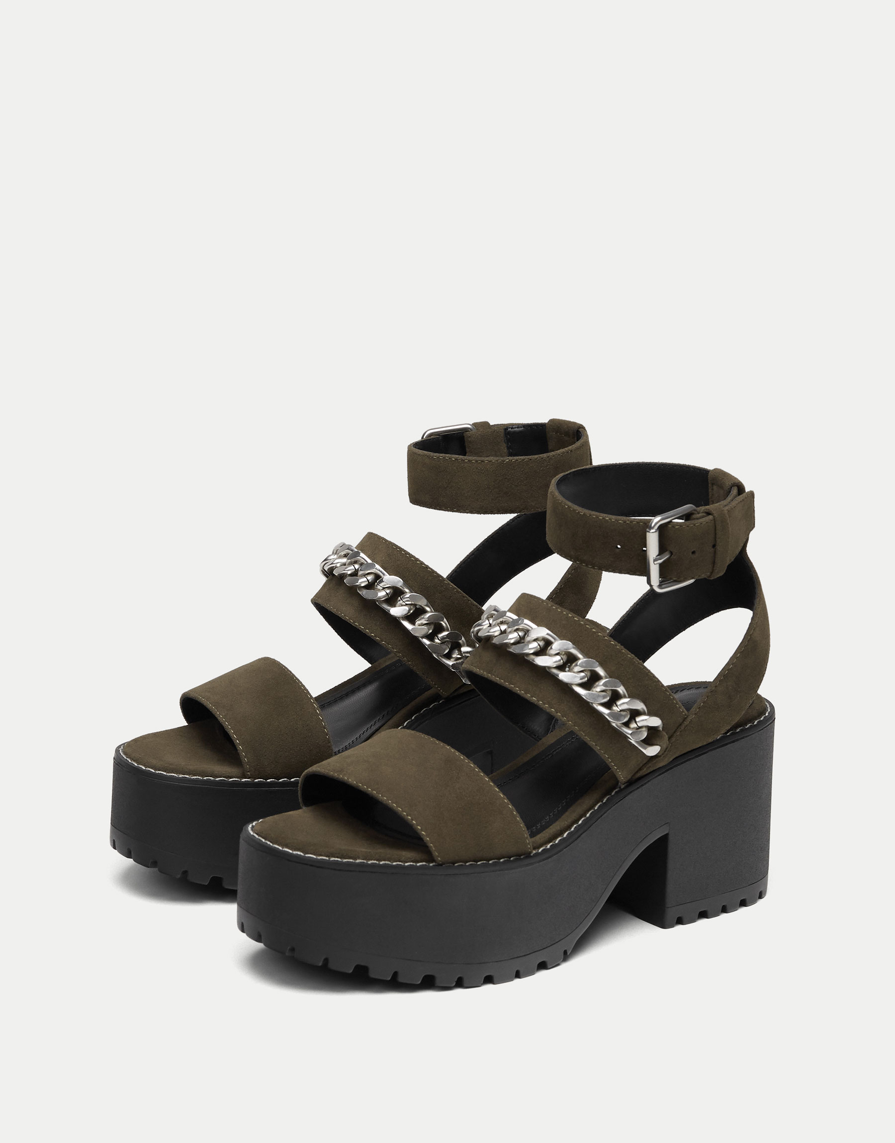 High heel sandals with chain
