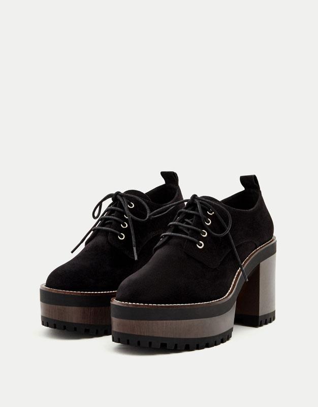 Zapato tacón acordonado