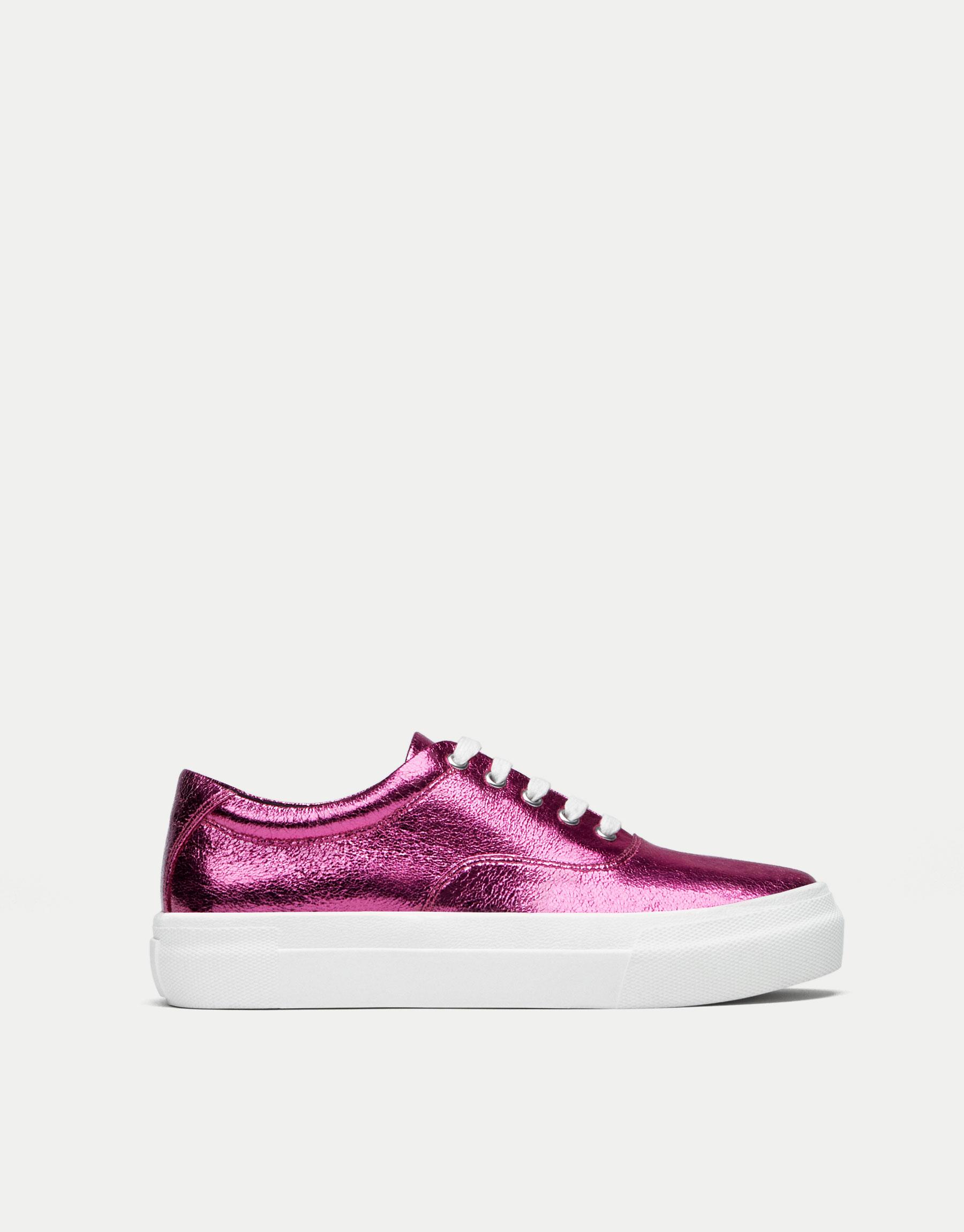 Pinke Sneaker mit Glanzfinish