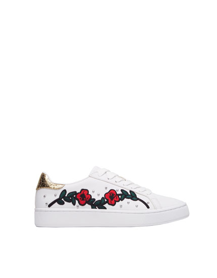 Embroidered fashion sneakers