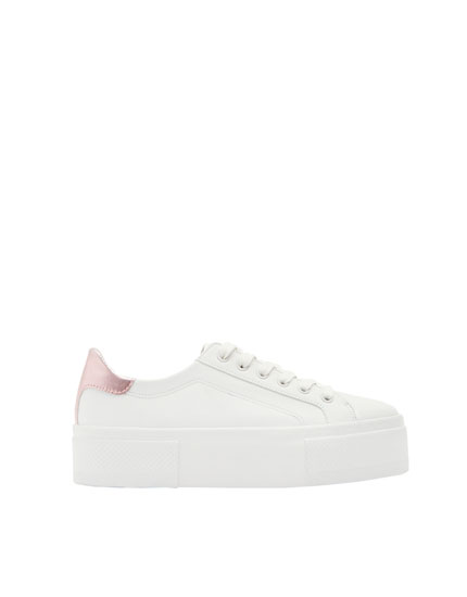 Chunky sole sneakers with pink heel detail
