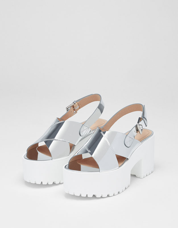 Chunky sole metallic sandals