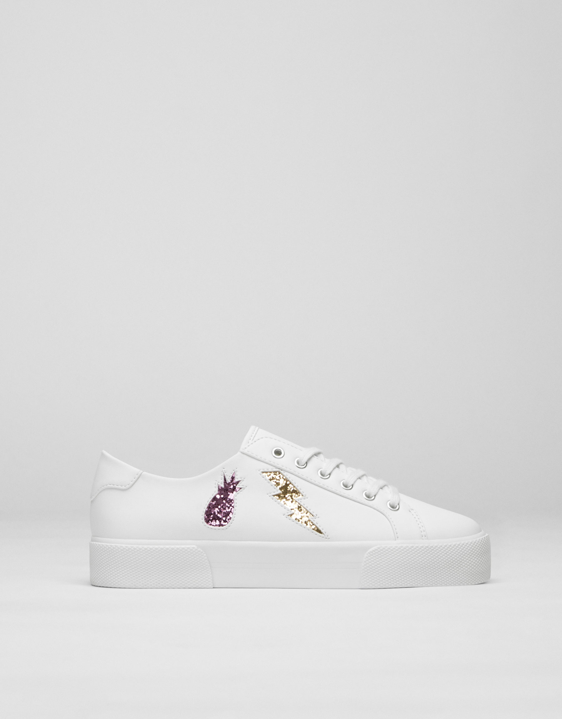 Plimsolls with glittery patches