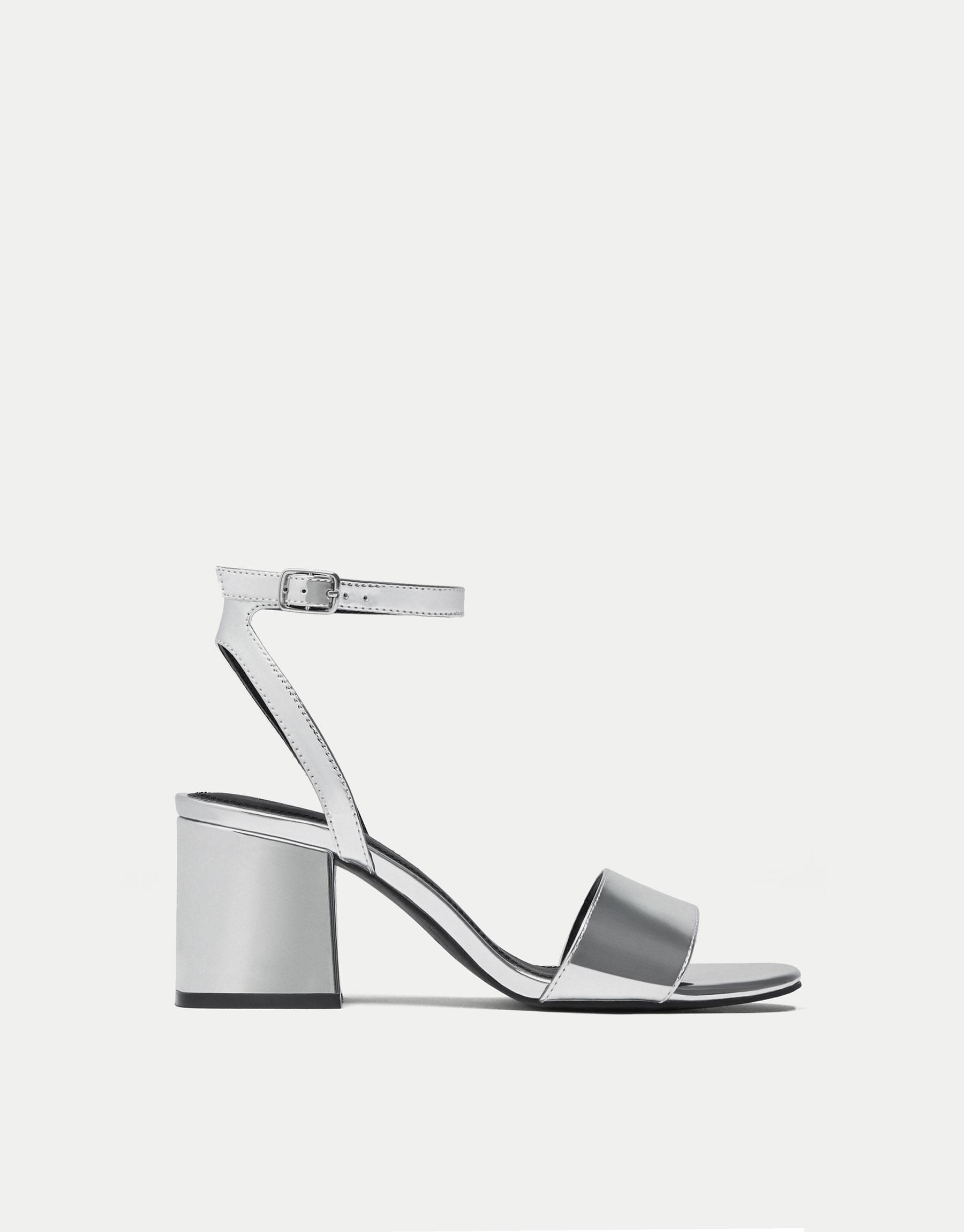 Sandale à talon argent