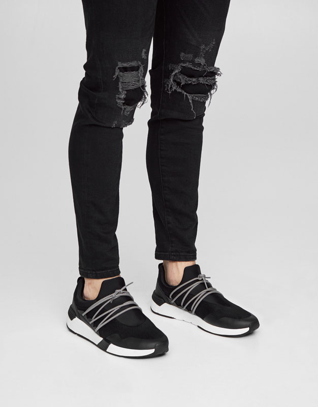 Sneakers with elastic laces