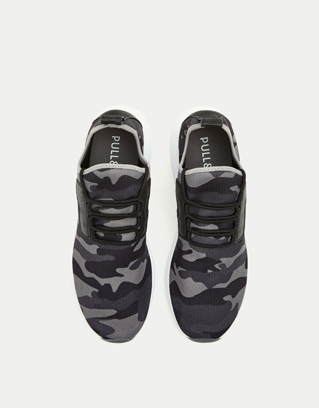 Camouflage fabric sneakers