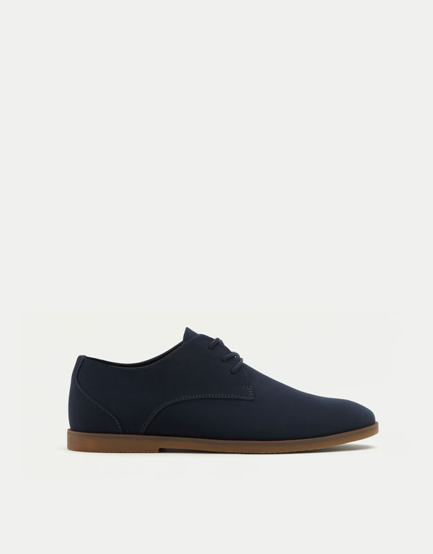 Slim blue shoes