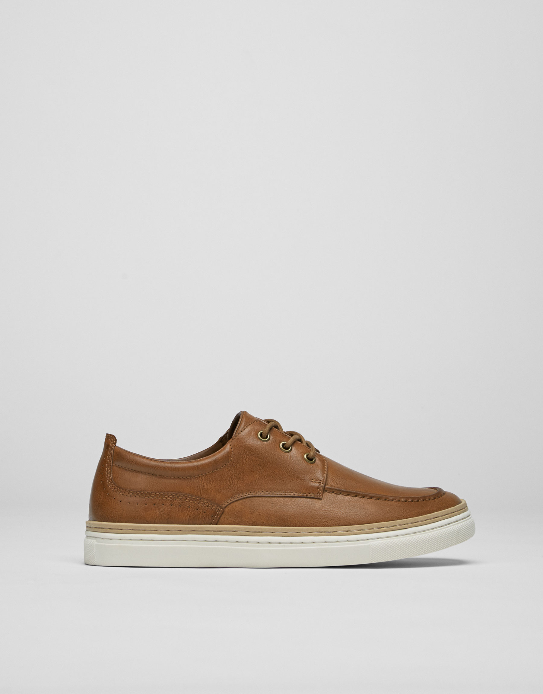 Plimsolls with welt