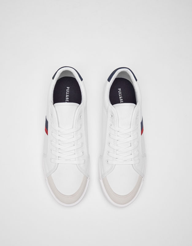 Canvas plimsolls with coloured side bands