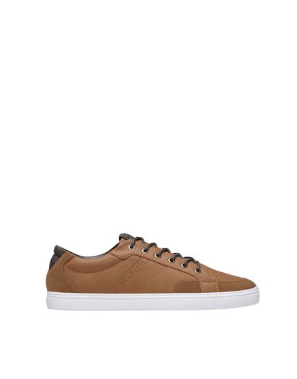 Brown urban sneakers with quilted heel