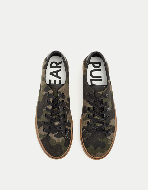 Camouflage print street sneakers