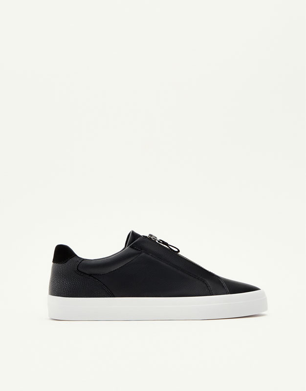 Basic sneakers with zip
