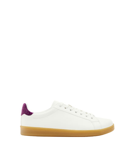 Fashion sneakers with heel detail