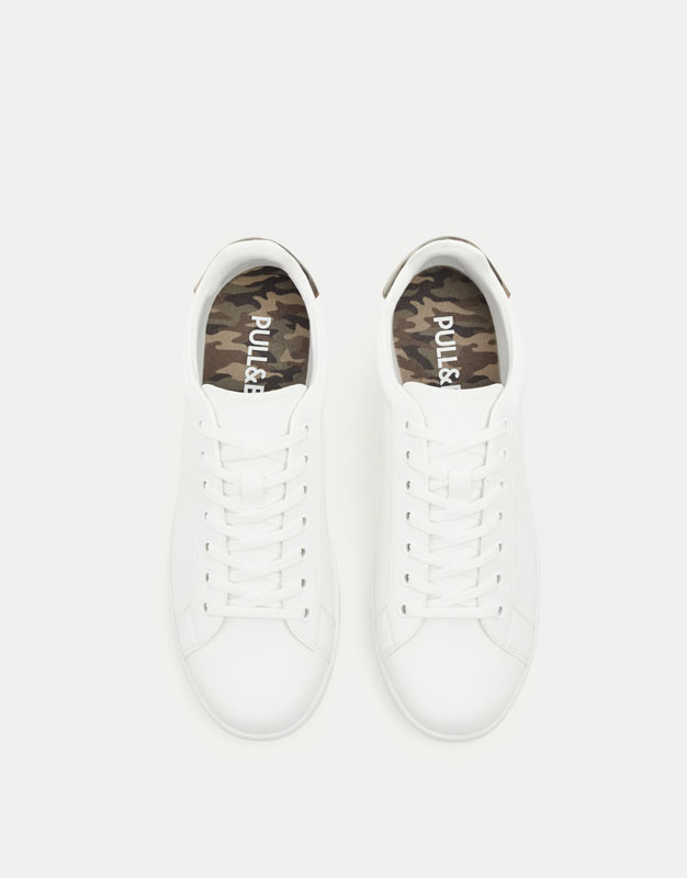 Sneakers with camouflage print heel