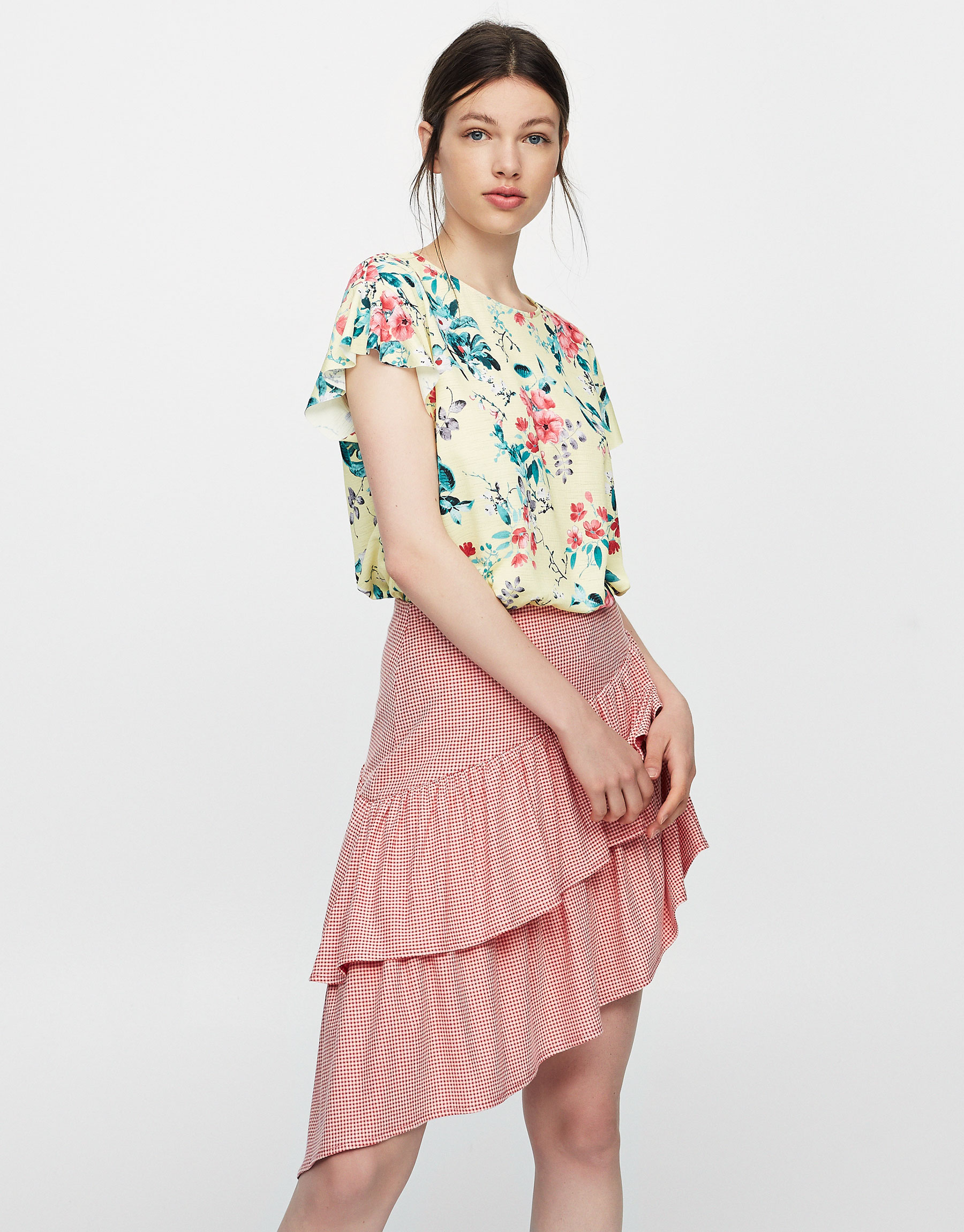 Floral top with ruffled sleeves