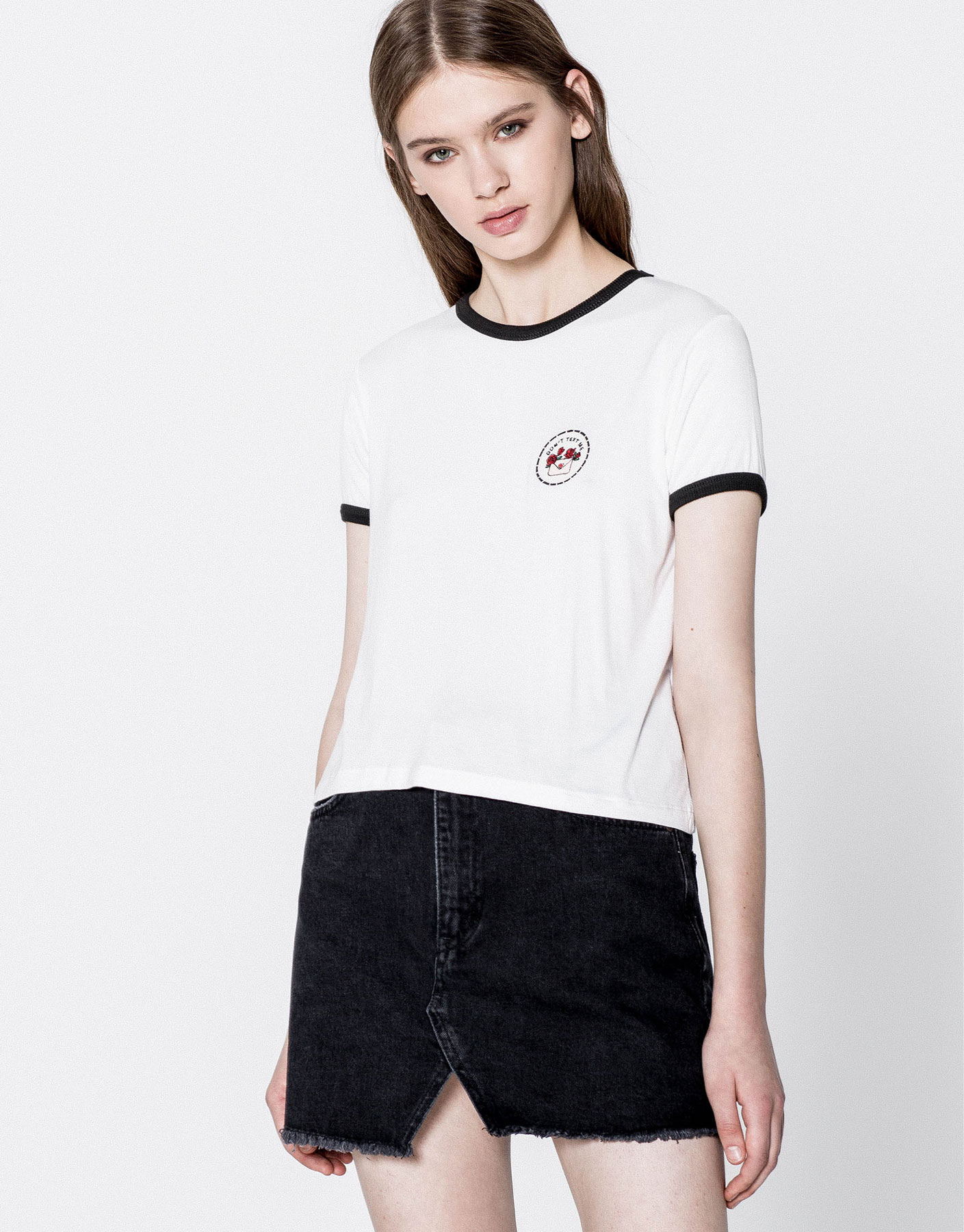 Roses envelope patch T-shirt