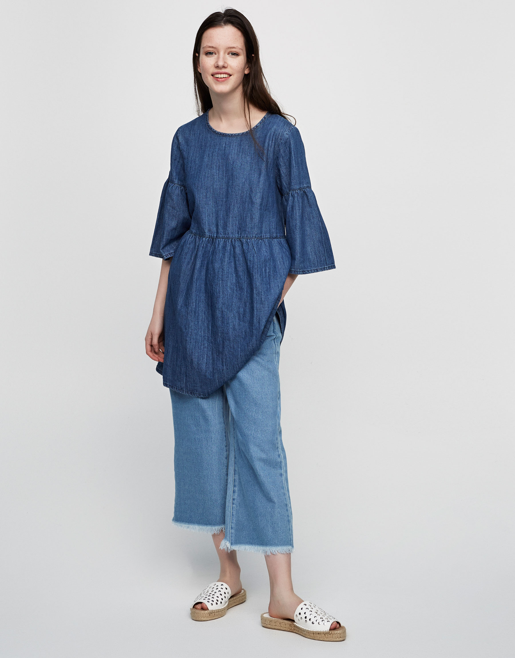 Denim dress with frilled sleeves