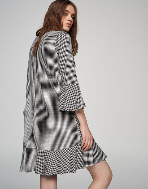 Gingham dress with frills