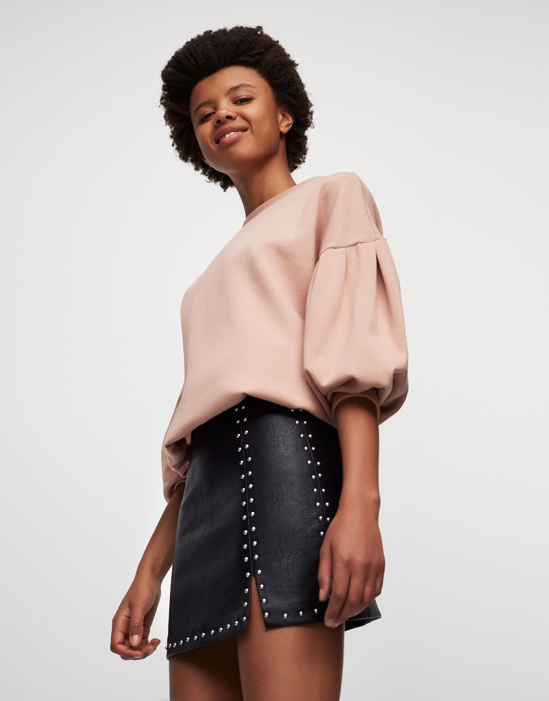 Minijupe clous fendue - Jupes - Vêtements - Femme - PULL&BEAR France