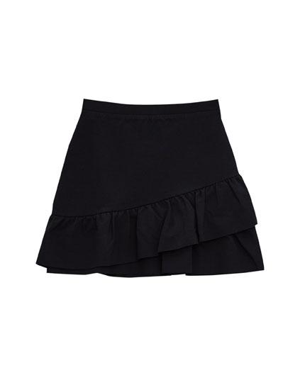 Miniskirt with frilled hem