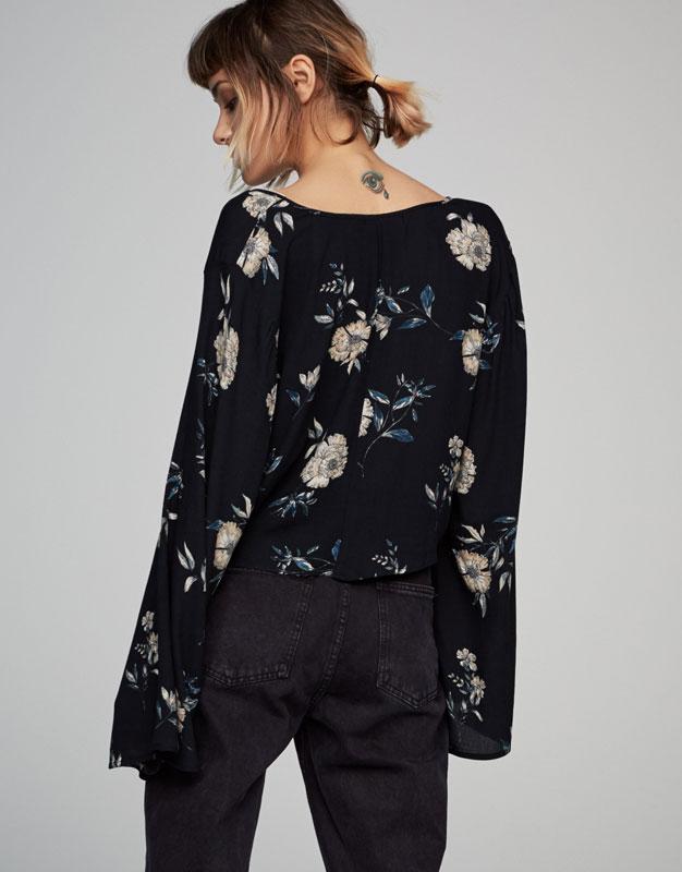 Flared sleeve floral bolero shirt