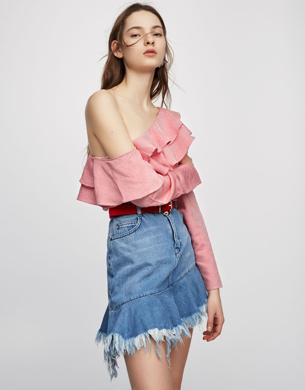 Striped print T-shirt with frills