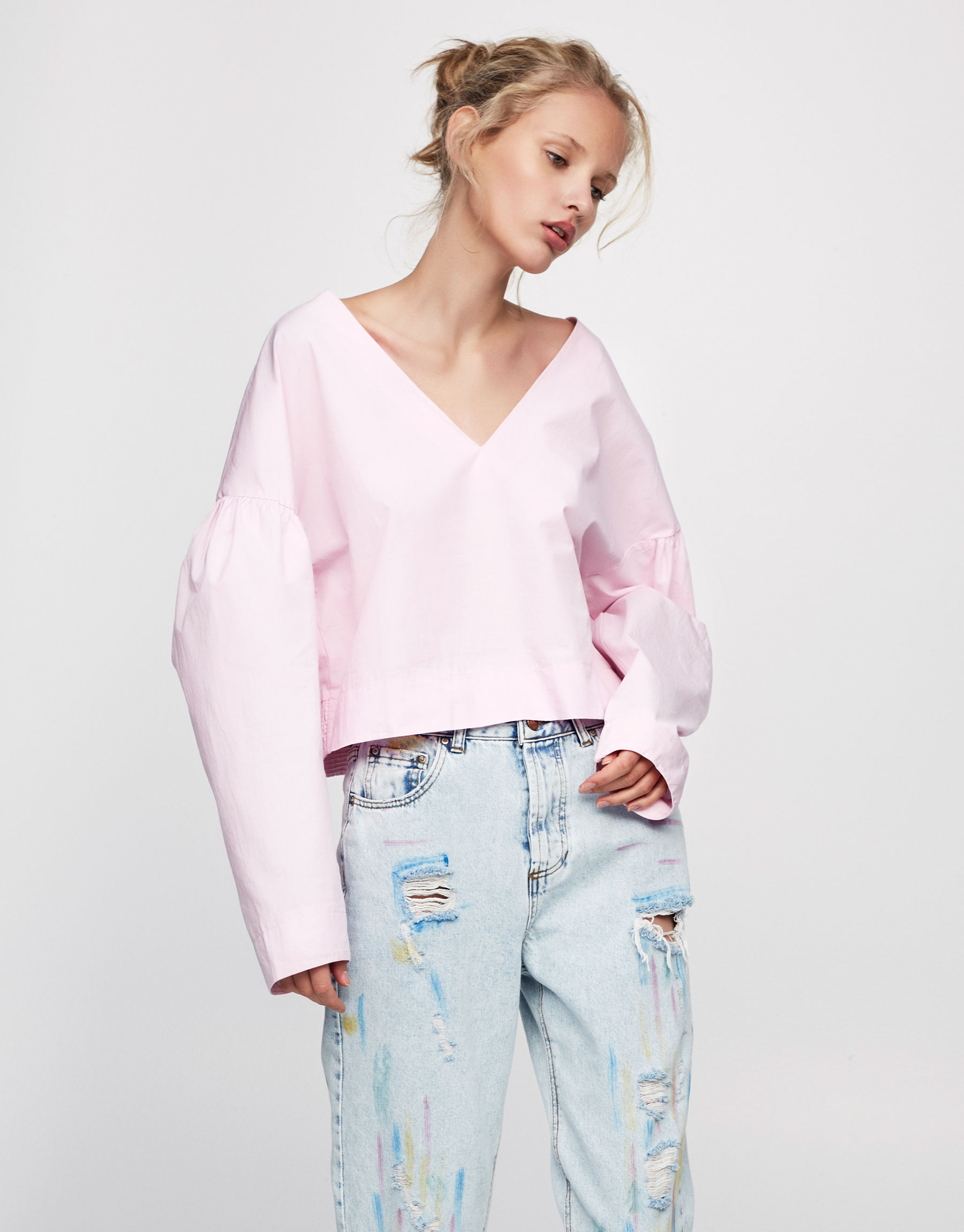 Cropped shirt with puffy sleeves