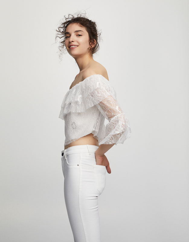 Lace frilled top