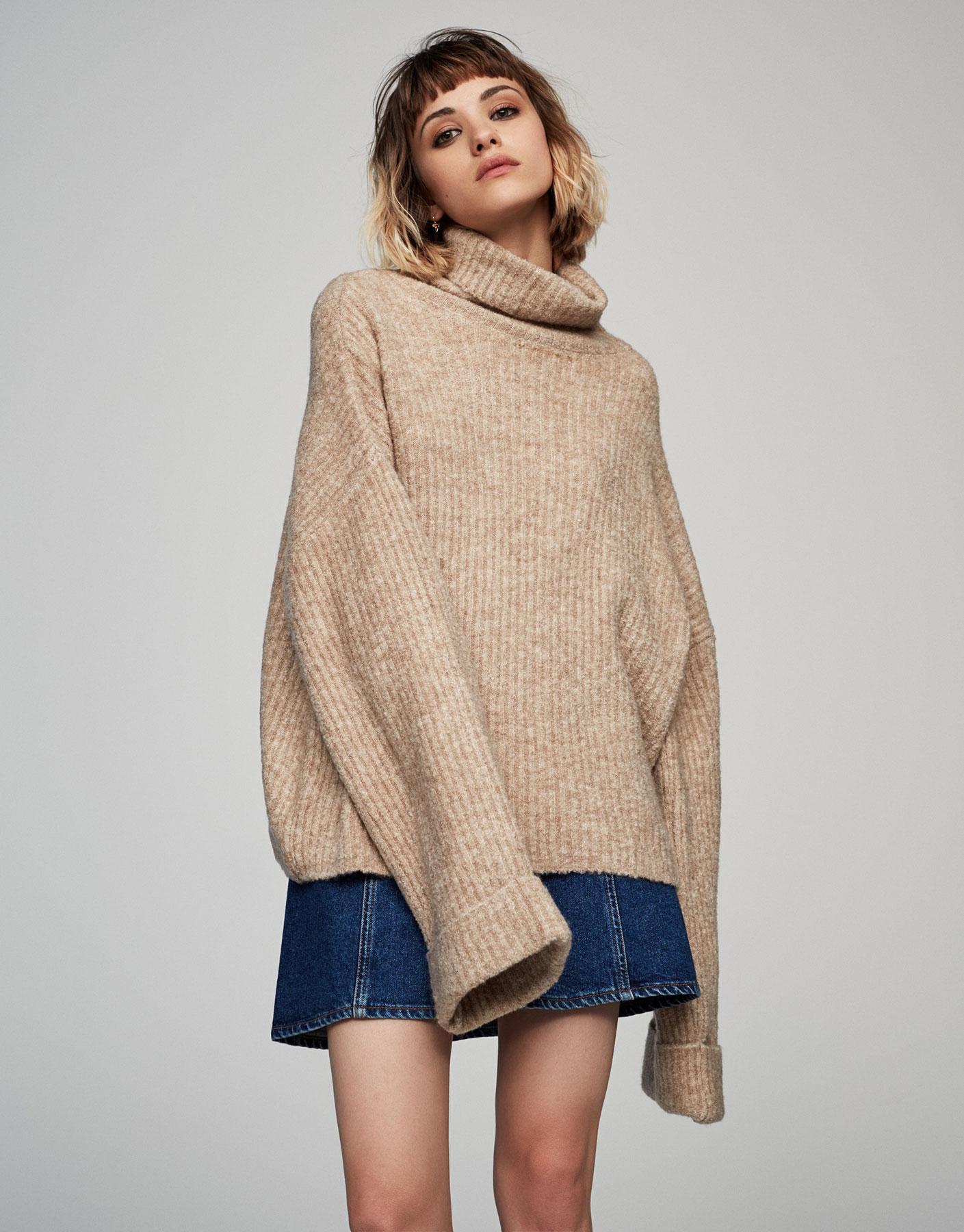 Pull côtelé peluche col roulé - Maille - Vêtements - Femme - PULL&BEAR France