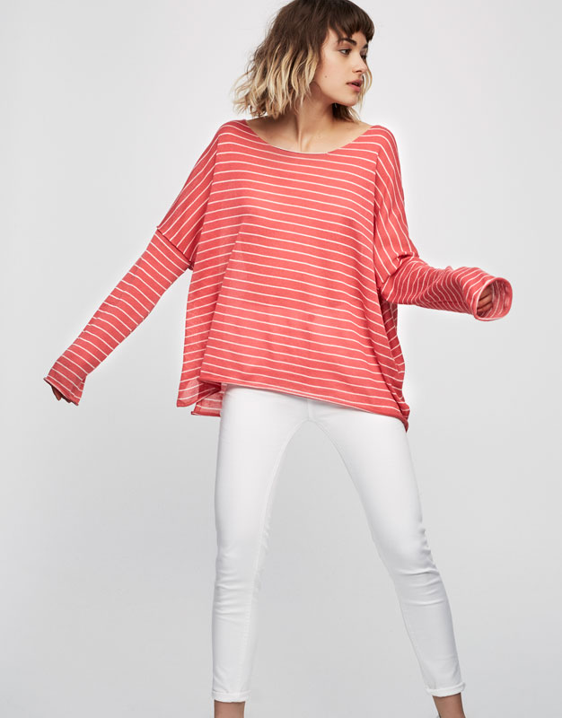 Basic sweater with slits
