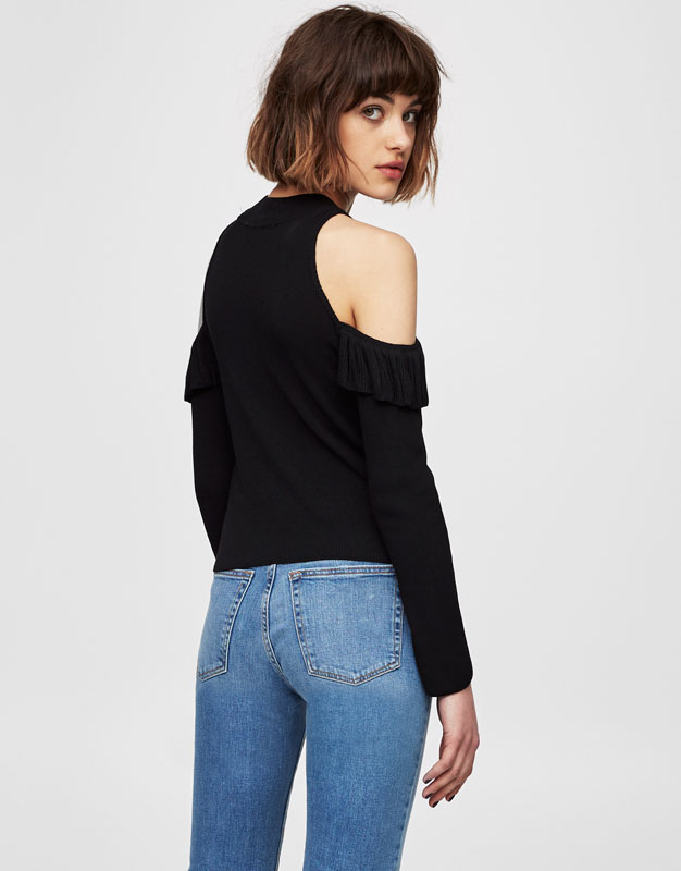 Frilly top with cut out shoulders