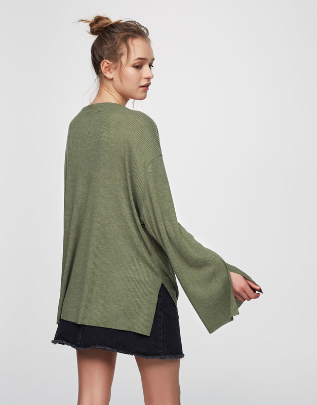 Ribbed sweater with slit cuffs