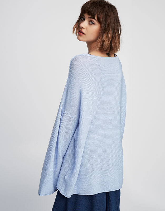 Bell-sleeved sweater