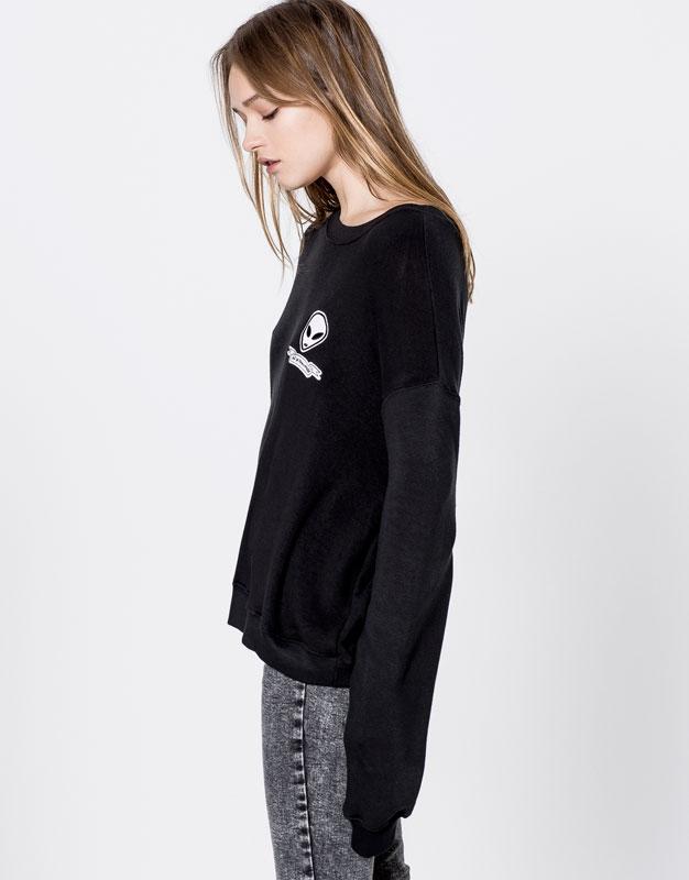 Alien patch sweatshirt