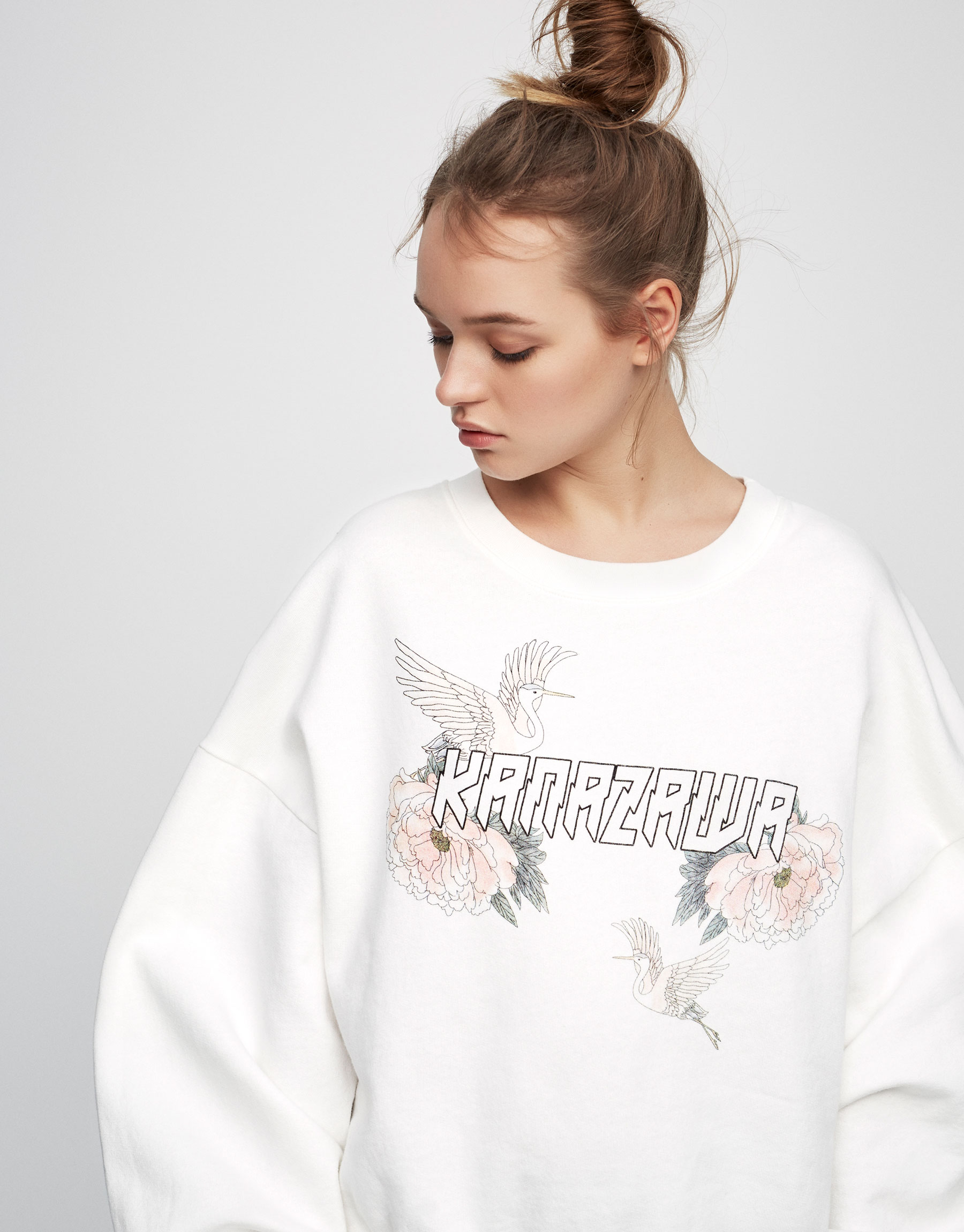 Sweatshirt with back bows
