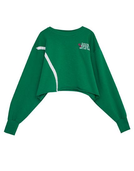Sporty cropped sweatshirt