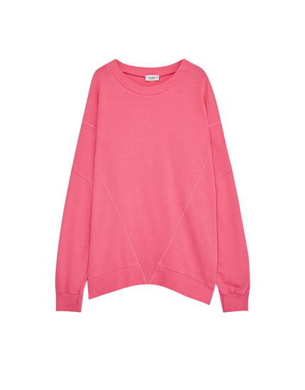 Oversized sweatshirt with round neck and seam detail