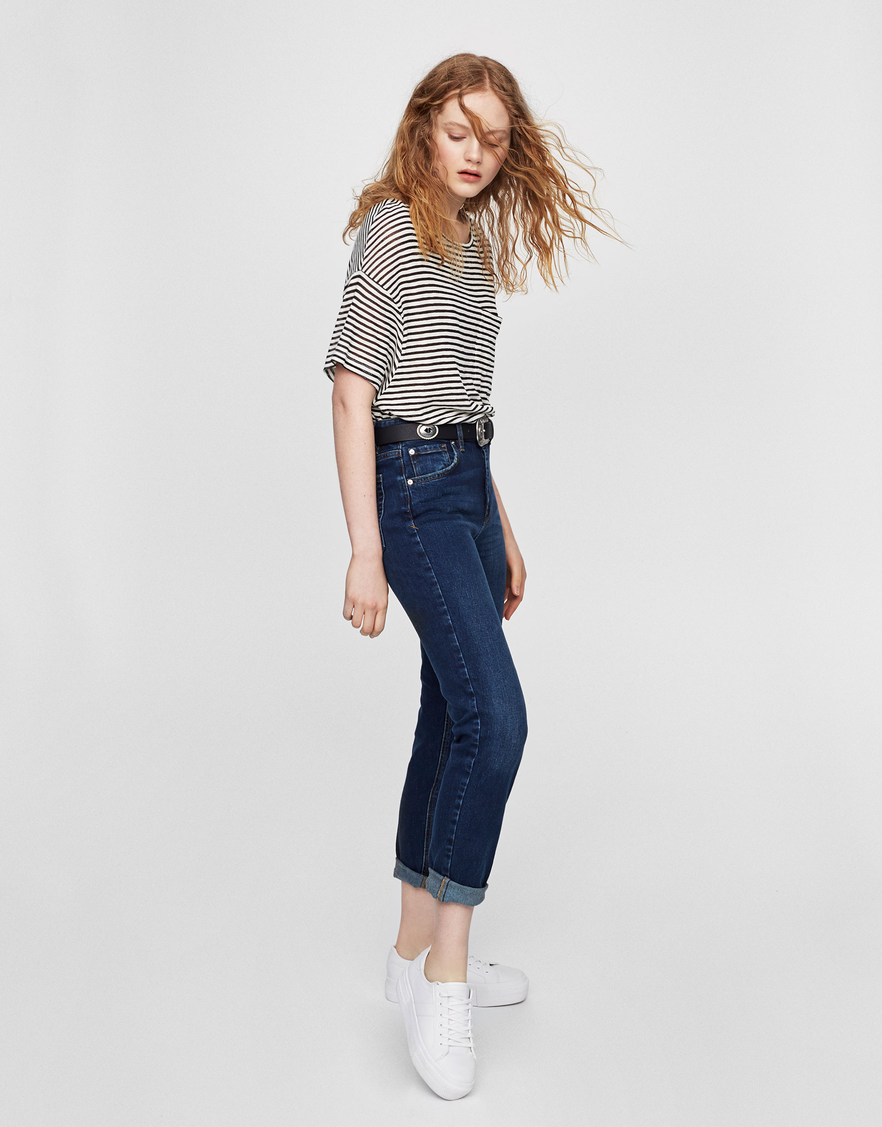 Mid-rise regular fit jeans