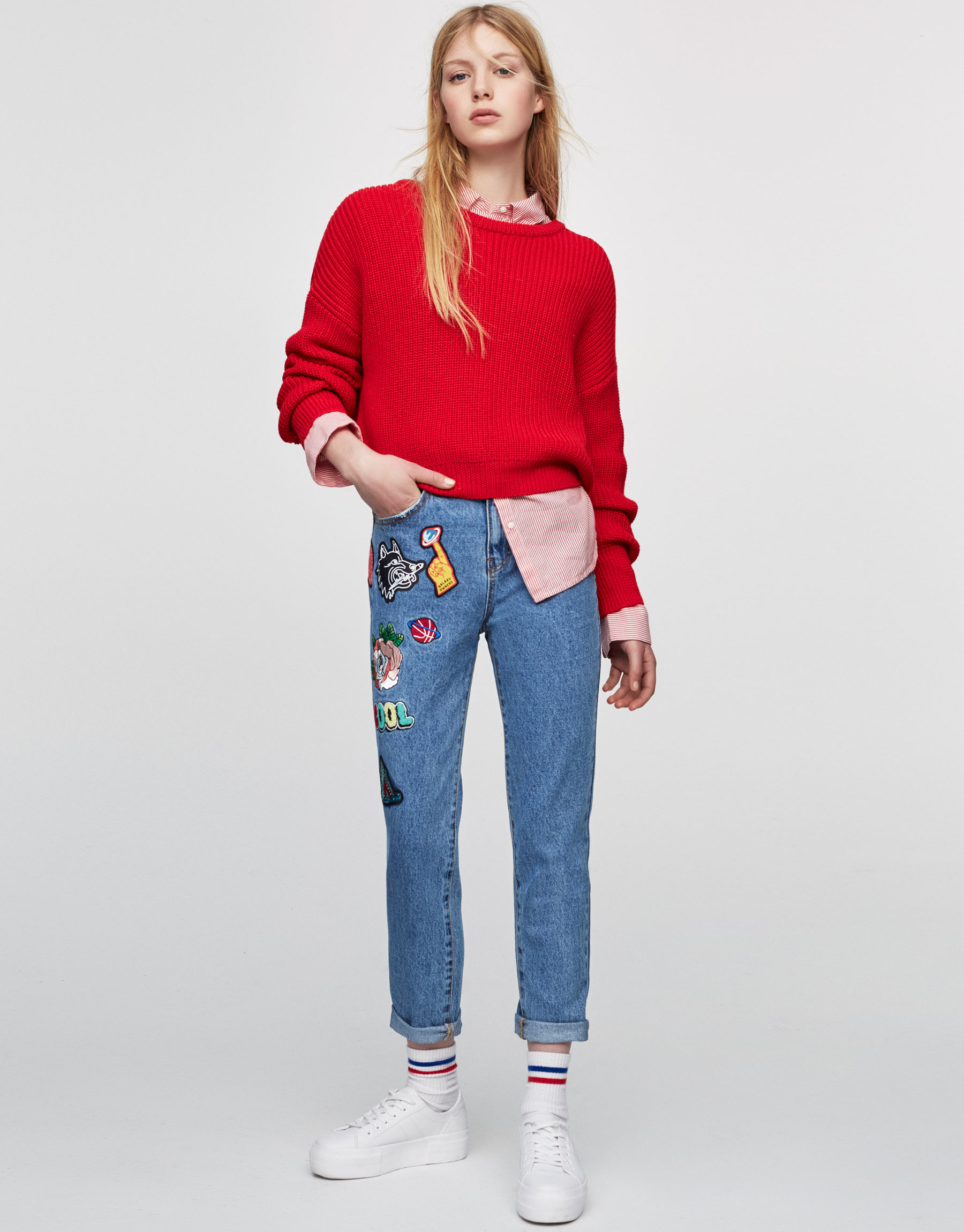 Mom-fit denim jeans with patches