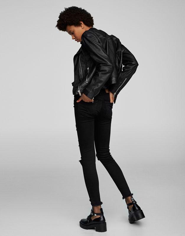 Skinny-Fit-Jeans mit Schlitzen