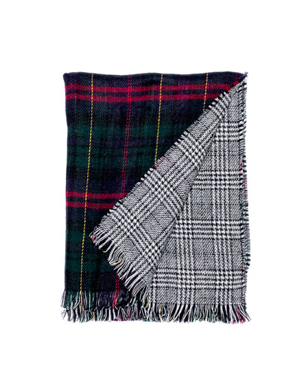 Checked double-faced scarf