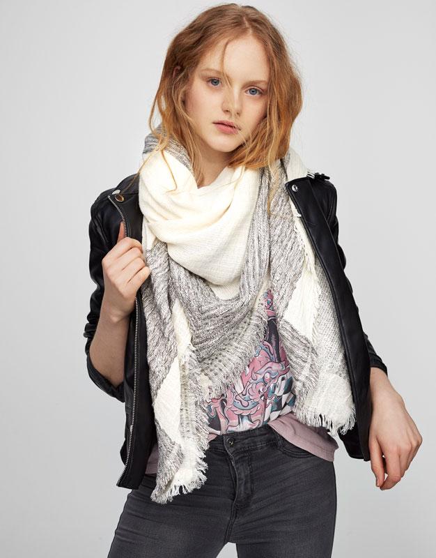 Frayed border foulard
