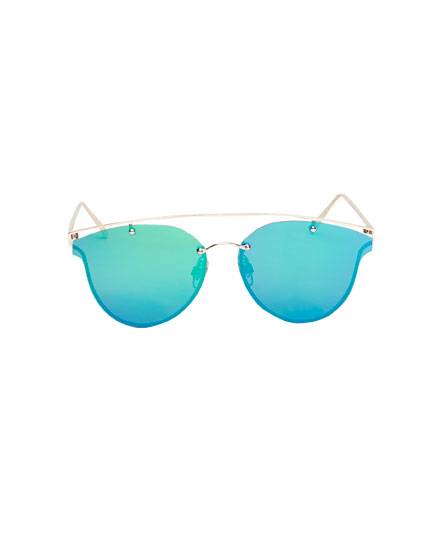 Aviator-style sunglasses with green mirror lenses