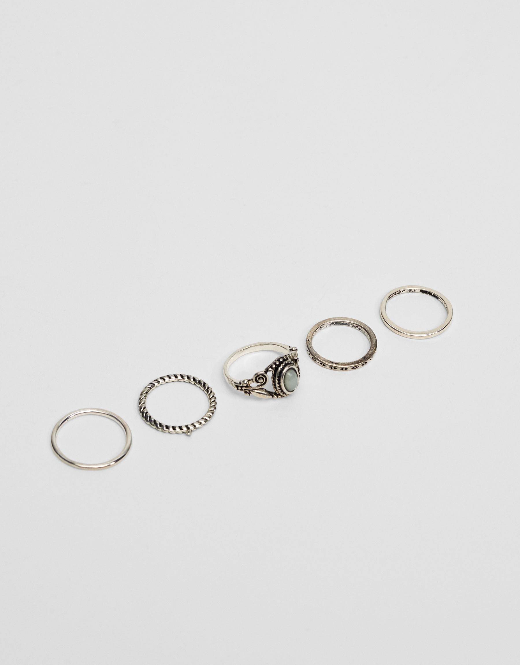 5-pack of assorted rings