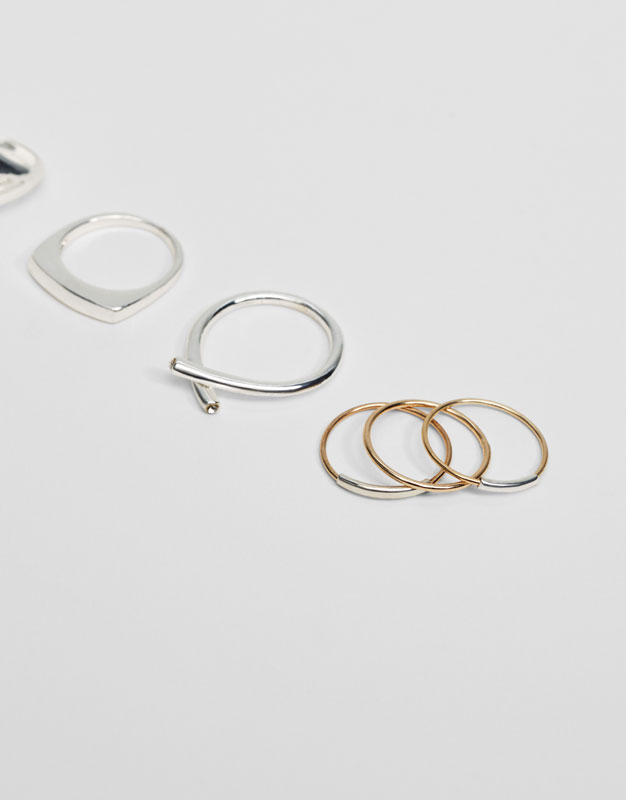 8-pack of assorted rings