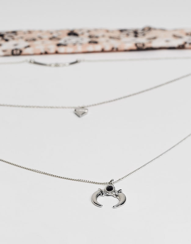 2-Pack of chained and bandana-style necklaces