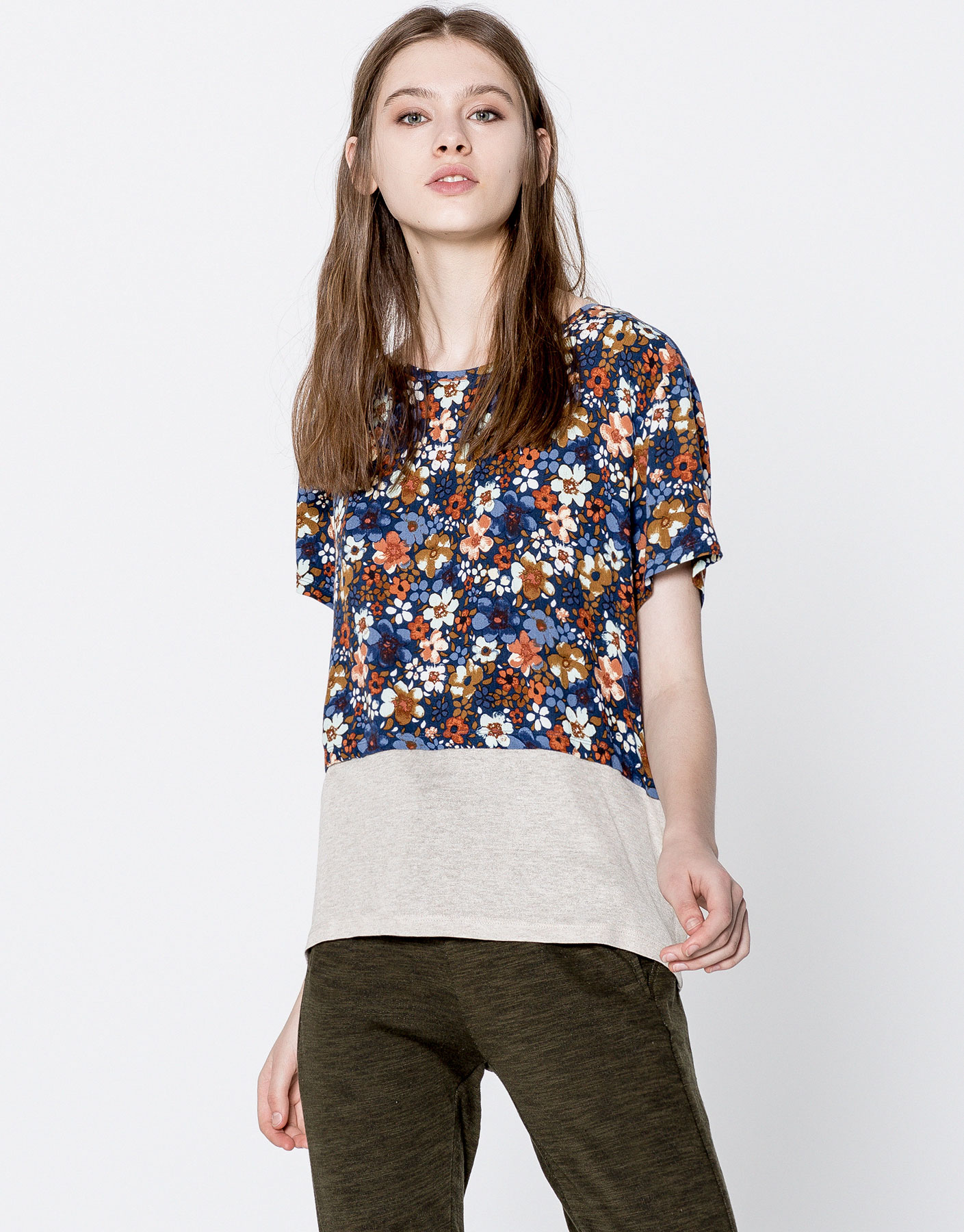 Contrast fabric floral T-shirt