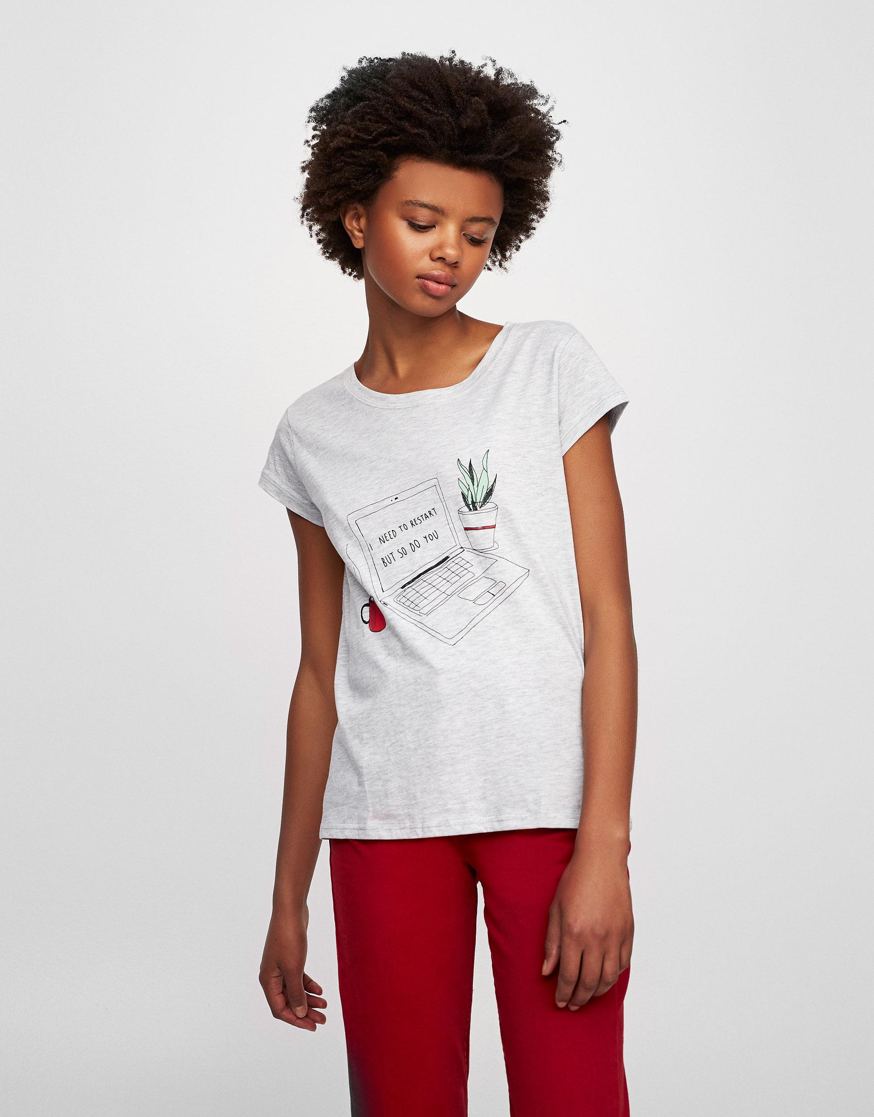 T-shirt com ilustração de computador