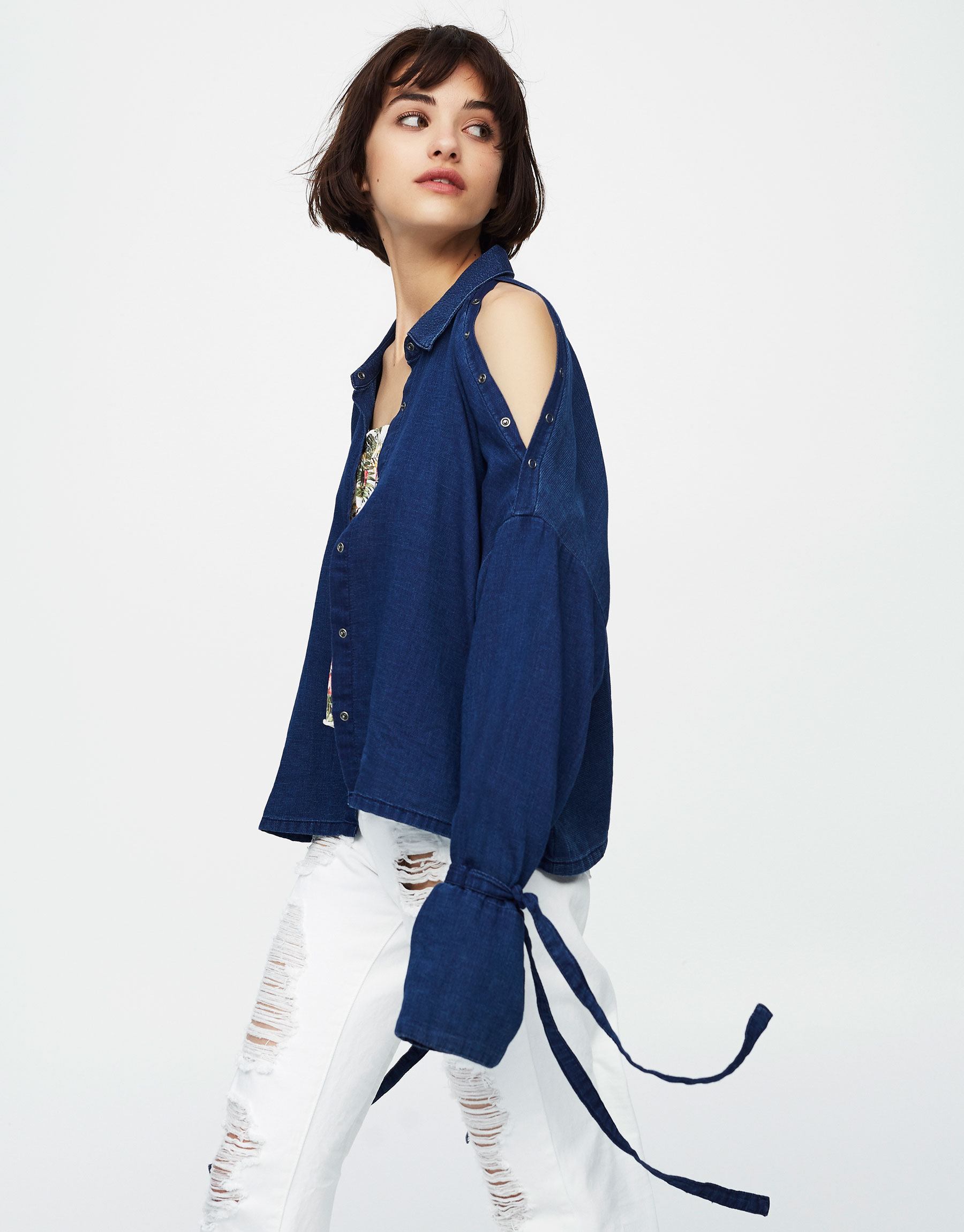 Denim cut out shoulders shirt