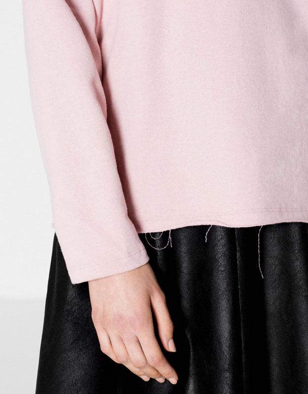 Piped seam sweatshirt